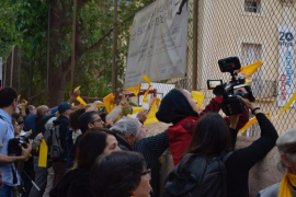 La guerra de los lazos amarillos llega a las calles de Barcelona