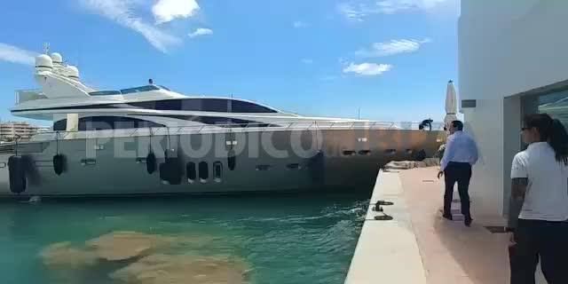 Accidentada salida de un yate de Marina Ibiza