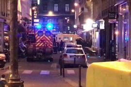 Un muerto y ocho heridos en un ataque con cuchillo en el centro de París