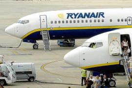 Ryanair se niega indemnizar por un retraso de 10 horas en un vuelo a Ibiza