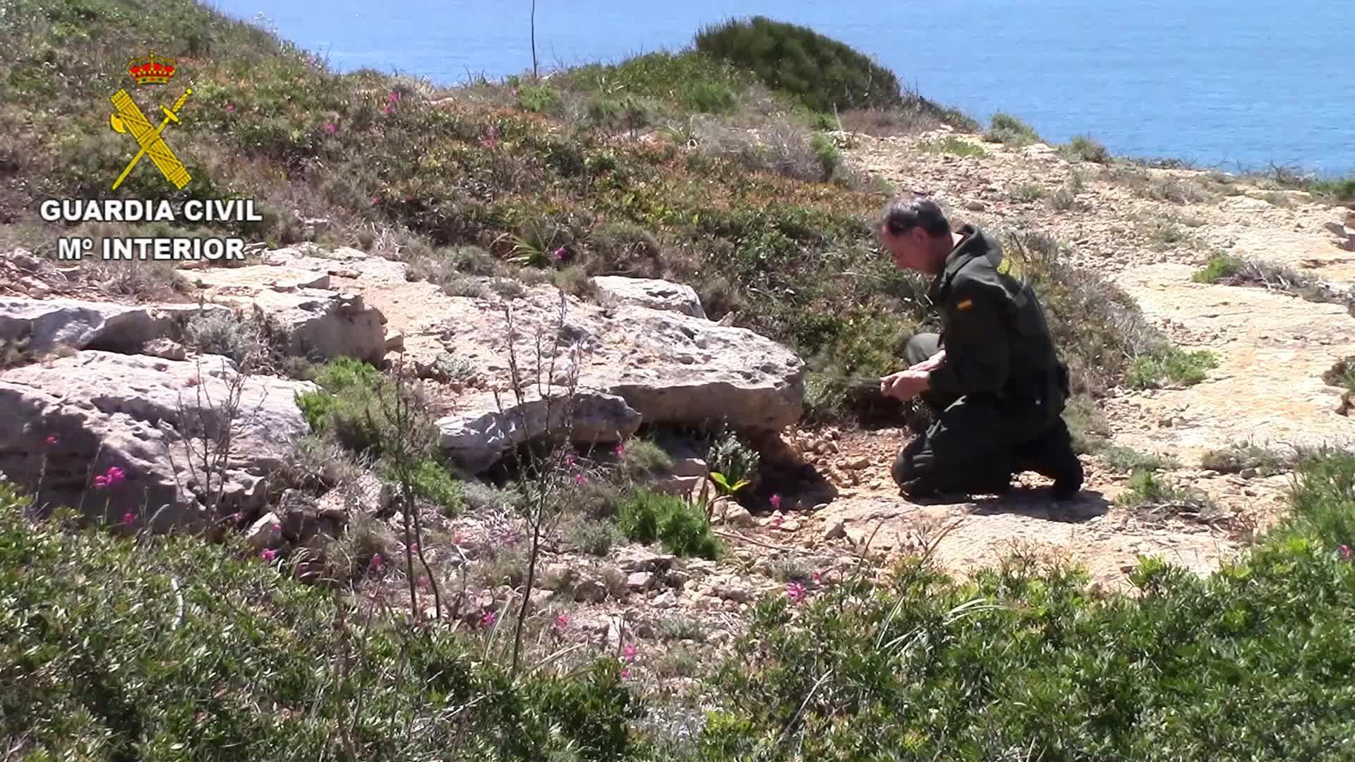 La Guardia Civil destruye un proyectil y dos granadas de mortero en Ibiza y Mallorca