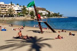 Comienza el servicio de socorrismo en las tres playas de Vila
