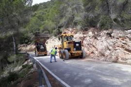 Las obras de la carretera de Sant Carles a Cala de Sant Vicent se encuentran en su fase final