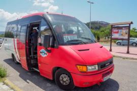 Da comienzo el servicio de transporte público a Cala Salada