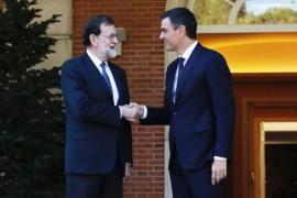 Rajoy pacta con Sánchez y Rivera mantener el 155 tras el Govern propuesto por Torra
