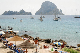 El PP denuncia el retraso en las concesiones de playa de Sant Josep