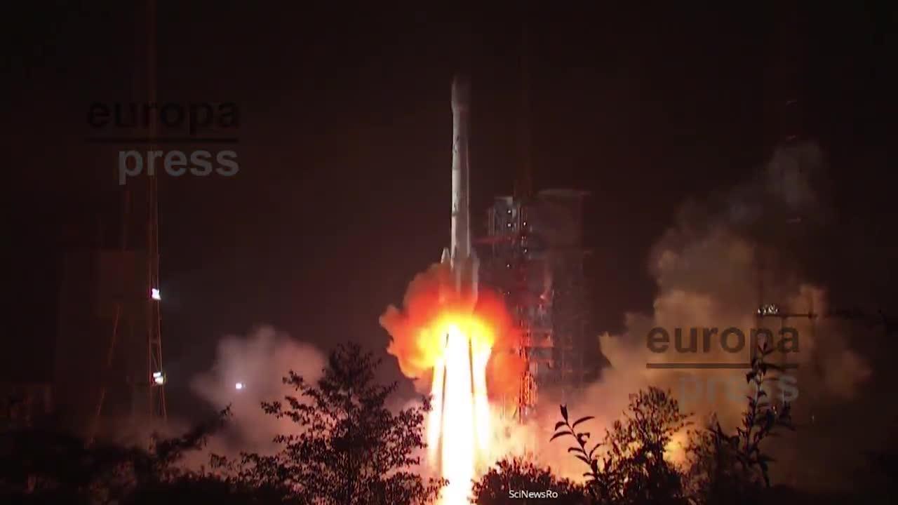 China lanza un nuevo satélite a la cara oculta de la Luna