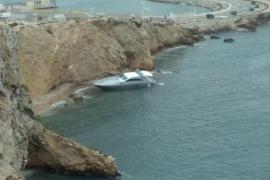Varias embaraciones acaban varadas por la mala mar registrada en las últimas horas en Ibiza