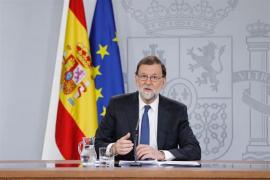 Rajoy acusa a Sánchez de querer llegar al Gobierno a cualquier precio