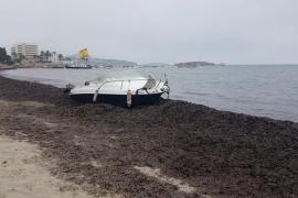 Varias embarcaciones acaban varadas por la mala mar registrada en Ibiza