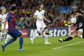 Villa sentencia un partido extraño (2-0)