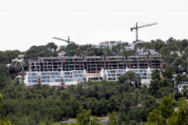 Una empresa vende 64 estudios comerciales como apartamentos de lujo en Cala Vedella