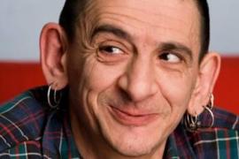 Evaristo, exvocalista de 'La Polla Records', retenido por insultar a la Guardia Civil en un concierto