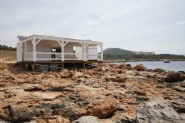 Marc Pons responsabiliza a Costas de otorgar la concesión del chiringuito de Cala Gració