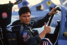 Tom Cruise durnate una escena de Top Gun.