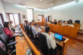El equipo de gobierno de Vila rechaza auditar los contratos con Molina