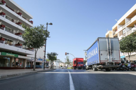 Herida una joven ciclista arrollada por un coche en Ibiza