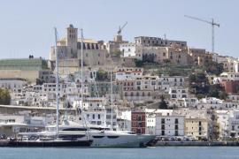 Los taxistas podrán entrar en el puerto, con limitaciones