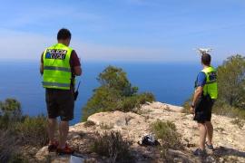 La Policía Local de Sant Josep busca en Cala d'Hort a una mujer desaparecida desde ayer