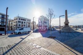 APB y Vila acuerdan que los taxis puedan entrar en la fachada marítima con condiciones