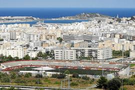 La compra de viviendas del Consell d'Eivissa también incluirá la adquisición de terrenos urbanizables
