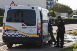 La Policía Local de Ibiza caza a un motorista circulando sin casco y que cuadruplicó la tasa de alcohol