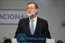 """Rajoy defiende su honorabilidad y la del PP y ve """"un ejemplo de posverdad"""" las """"mentiras"""" sobre la sentencia de Gürtel"""