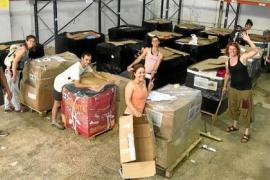 SOS Refugiados envía 17 palets de comida, medicinas y artículos para bebés