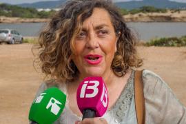 Concentración contra el chiringuito de Cala Gració (Fotos: Marcelo Sastre).