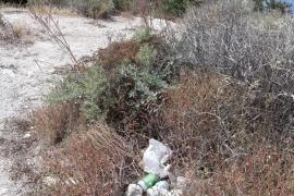 EPIC denuncia la suciedad acumulada en la zona de Es Soto-es Calvari de la ciudad de Ibiza