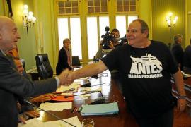 El PP acusa a la izquierda de hacer leyes para «perseguir» a Matutes