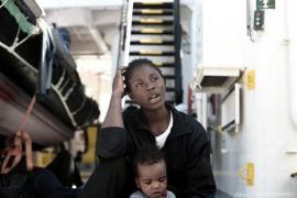 Valencia espera la llegada escalonada de los tres barcos con migrantes del Aquarius a partir del domingo
