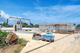 Vecinos de Santa Eulària denuncian el mal olor de la depuradora y exigen soluciones a Abaqua