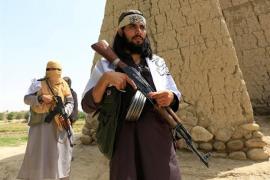 Los talibán matan a 30 militares y se hacen con una base en el oeste de Afganistán