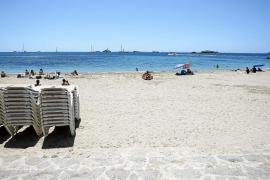 Establecimientos de Vila acusan pérdidas económicas por la tardía concesión de hamacas