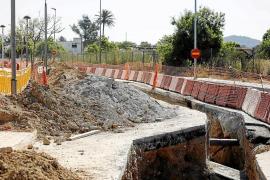 El PP denuncia los problemas de tráfico por las obras de Cala de Bou en plena temporada