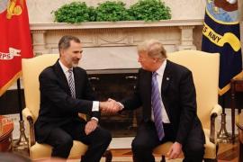 """Trump destacó ante Felipe VI la alianza de EEUU con una España """"fuerte y unida"""""""