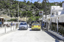 Vecinos y comerciantes estallan contra los «problemas endémicos» de Cala Vedella