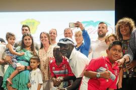 Las estrellas del planeta fútbol se citan el domingo con los pequeños 'futboleros' de la isla