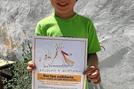 El Ceip Buscastell celebra un fin de curso solidario