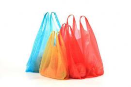 Las bolsas de plástico de los comercios, de pago desde el 1 de julio