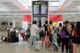 El Gobierno busca paliar los efectos de las huelgas aéreas de Francia en Balears