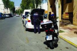 La Policía Local de Ibiza detiene a una mujer por el hurto de una cartera con 1.650 euros