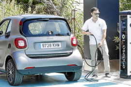 Una nueva red de cinco puntos de carga garantiza la movilidad eléctrica en Ibiza