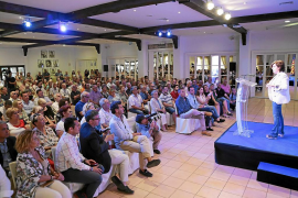 Santamaría reúne a 250 afiliados en unas primarias con baja participación