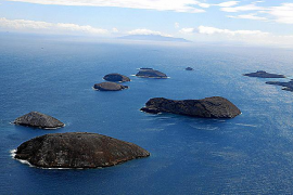Demanda a una aerolínea porque se durmió en el avión y se despertó en las Galápagos