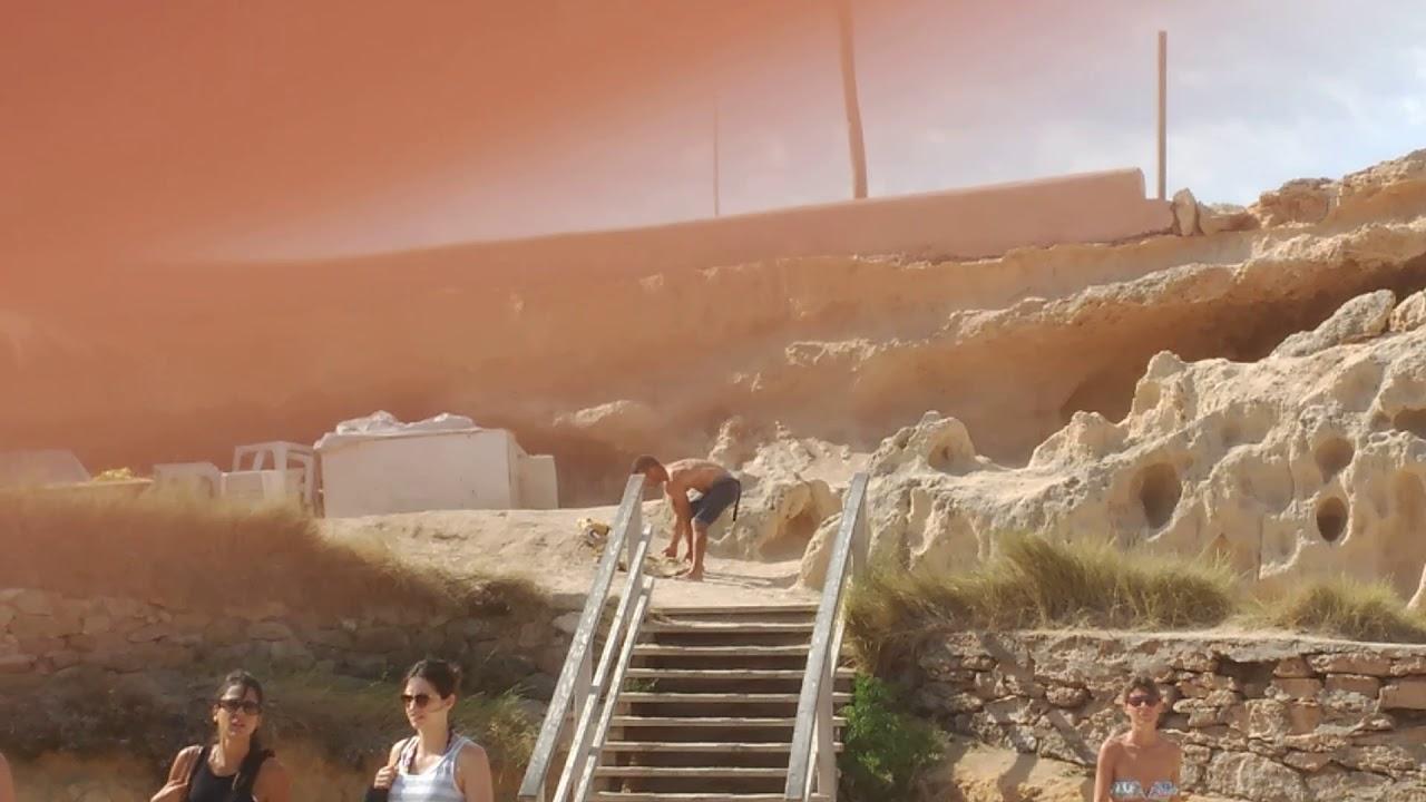 Vídeo | Taladran rocas en Platges de Comte