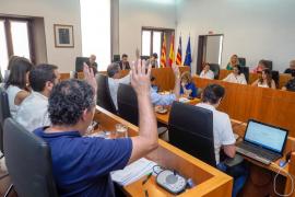 Epic acusa a Vila de «privatizar» el puerto y de no actuar contra el ruido y la droga en la zona