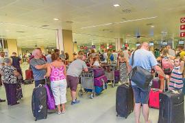 58.863 pasajeros transitaron ayer con normalidad por el aeropuerto de Ibiza