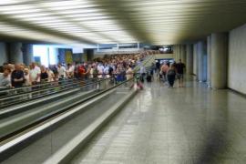 Colapso en el control de pasaportes del aeropuerto de Palma.